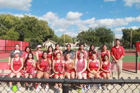 Girls tennis wraps up regular season